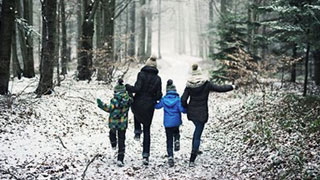 5 Meaningful Holiday Traditions for Kids