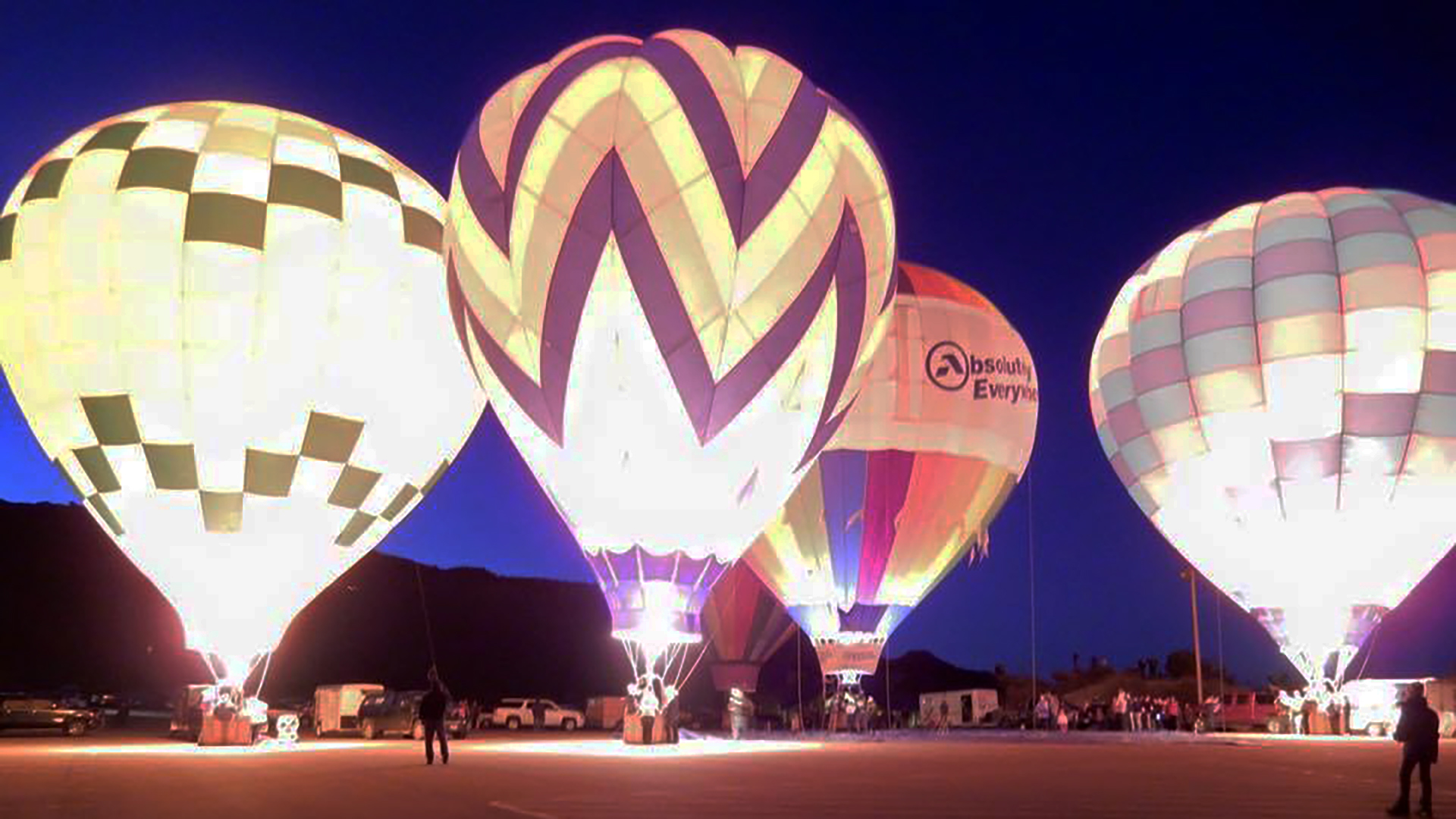 Hot air balloonists plan a Christmas glow in Palo Duro Canyon event