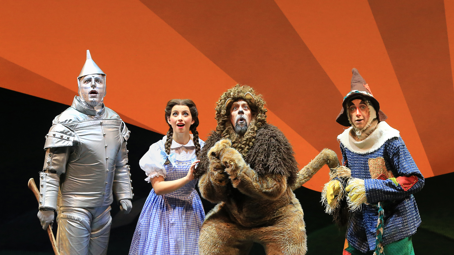 Stage version of 'Wizard of Oz' travels down the same, familiar road as the original film