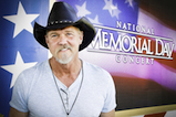 Country music star Trace Adkins poses for a photo at the 2016 <em>National Memorial Day Concert</em>.