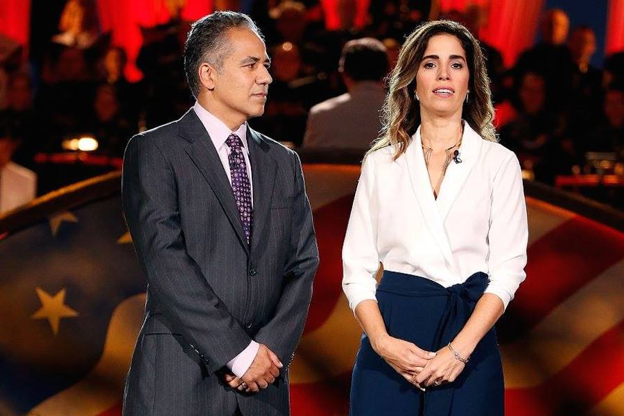 Actors John Ortiz and Ana Ortiz perfom at PBS' 2017 <em>National Memorial Day Concert</em> at U.S. Capitol, West Lawn on May 28, 2017 in Washington, DC. (Photo by Paul Morigi/Getty Images for Capital Concerts)