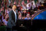 Lionel Richie performs <i>Stuck on You</i> on the 2010 <i>National Memorial Day Concert</i>.