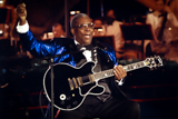 B.B. King performs <i>Peace to the World</i> on the 2011 <i>National Memorial Day Concert</i>.