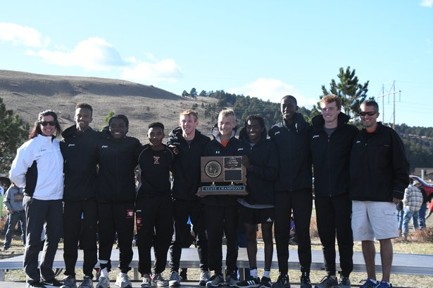 2017 CC Class AA Boys 1st Place - Sioux Falls Washington.jpg