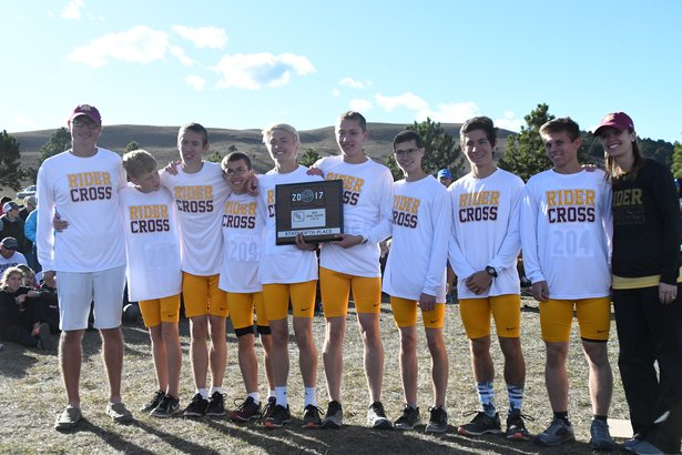 2017 CC Class AA Boys 5th Place - Sioux Falls Roosevelt.jpg